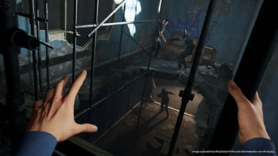 The hero of Blood & Truth leaps through a construction site to catch criminals in first-person perspective.