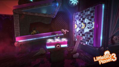 PS4 Little Big Planet 3 screenshot featuring OddSock navigating through a pinball type maze