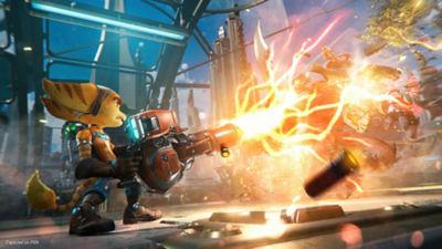Ratchet using the Enforcer weapon against an alien enemy.