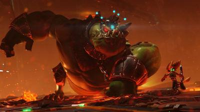 PS4 Ratchet & Clank screenshot featuring Ratchet going up against a lizard type boss